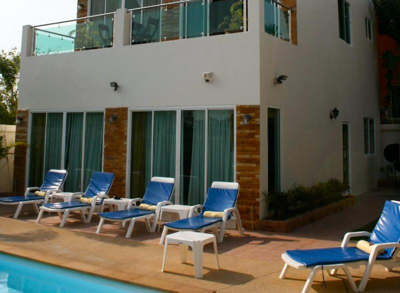 Sun Loungers - GREAT VALUE FAMILY 4 BED POOL VILLA - Rawai - rentals