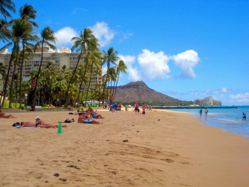 Waikiki Beach and a great Diamondhead view,  just 1/2 block away! - Modern Luxury in Waikiki - Regency on Beachwalk - Honolulu - rentals
