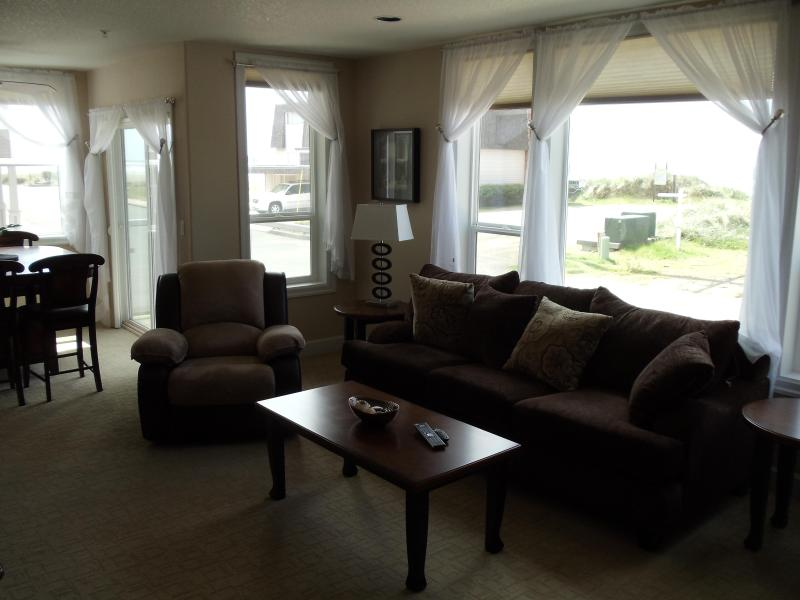 Family Room ! - Steps From The Ocean ! 2 bedroom, 2 bath Condos - Rockaway Beach - rentals