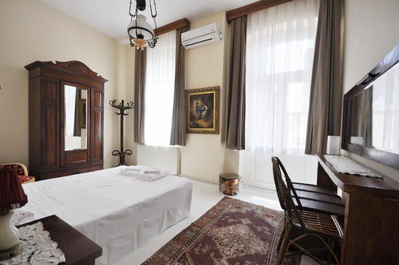 Double room - Spacious historical flat at the heart of Istanbul - Istanbul - rentals