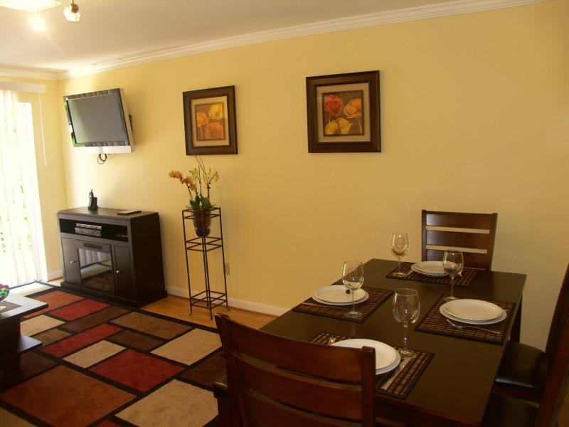 Inviting living and dining room - Staying Cozy   JANUARY SPECIAL $170/night - San Francisco - rentals