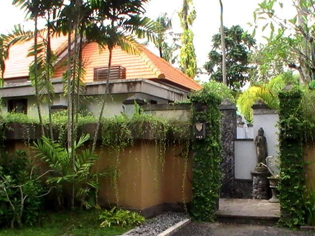 on the left villa Oranye - Bali holiday Villa Oasis Oranye - Sanur - rentals