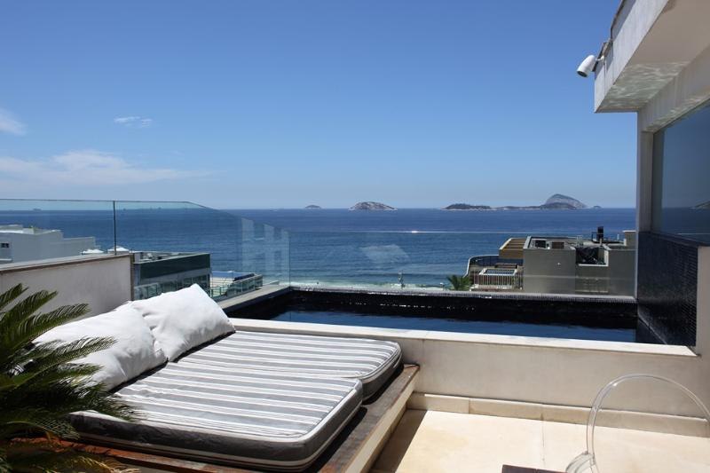 Leblon Penthouse with ocean views : Rio055 - Image 1 - Ipanema - rentals
