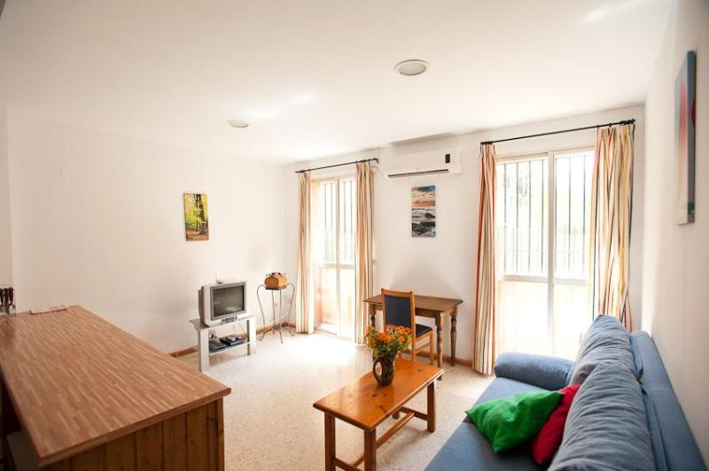 1 Bedroom Beautiful Apartment on Sevilla Center - Image 1 - Seville - rentals