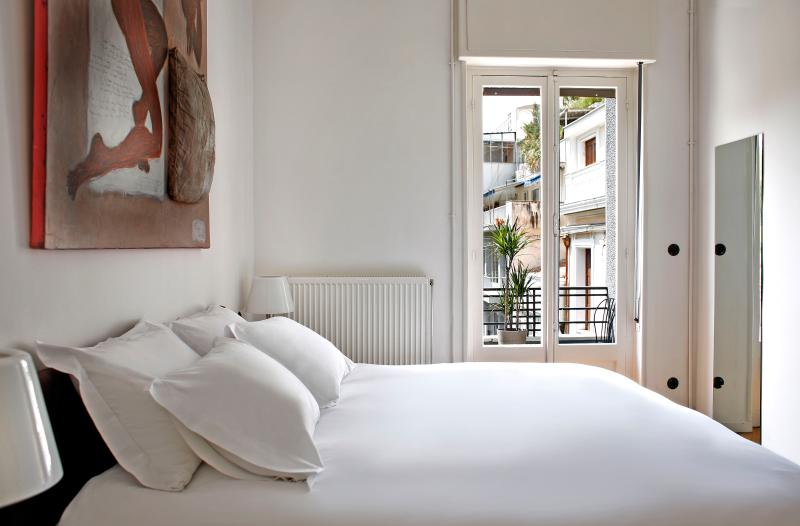 Boutique Apartment Walk to Acropolis Terrace WiFi - Image 1 - Athens - rentals