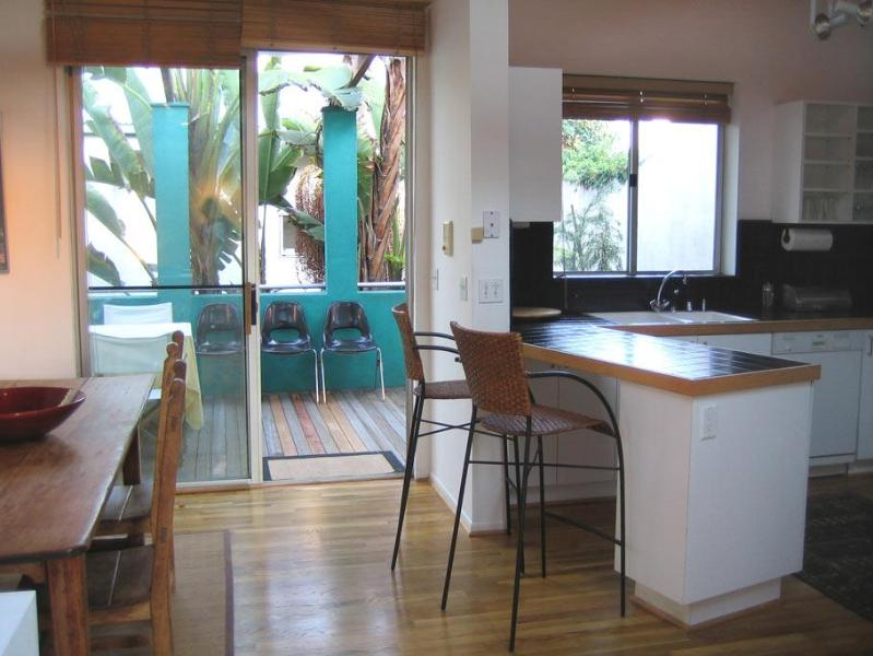Kitchen Dining Deck Area - Last Minute!  30% Off Dec. 8-21!  Architectural - Los Angeles - rentals