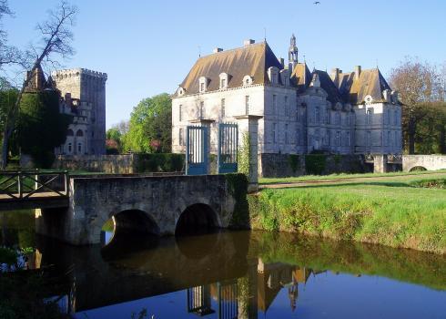 204-chateau-de-st-louis - Image 1 - Poitou-Charentes - rentals