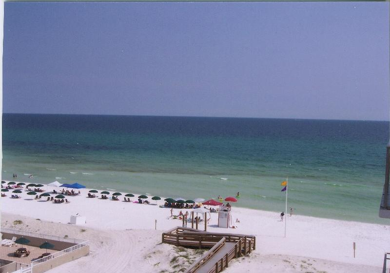 No Destin Mobs here. View FROM unit on a peacful Island summer day. - 4BdmBchCondoTop Flr,2unit1price,40ft 2 Bch,180Views - Destin - rentals