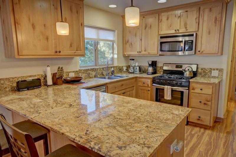 Kitchen Overview - Alpine Escape Yosemite Rental, Inside Park Gates - Yosemite National Park - rentals