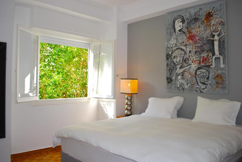 Master bedroom - Lovely 2 b'room apt near Acropolis, balcony, WiFi - Athens - rentals