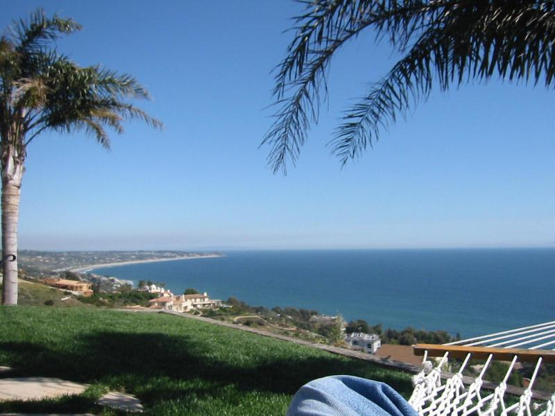 View from Sunset Landing - Beachcomber Bungalow; panoramic views, 3 night min - Malibu - rentals