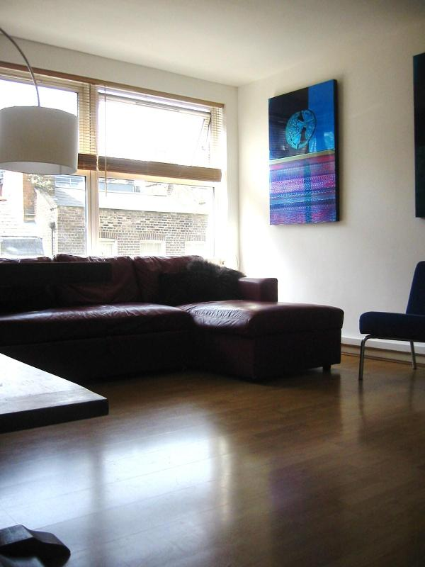 Spacious lounge and dining area - Spacious 2 bedroom & 2 bathroom apartment in SOHO - London - rentals