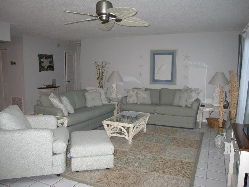 Soothing, Spacious, Comfortable Livingroom - Relax In Tropical Paradise, Most Natural Beach - Sanibel Island - rentals