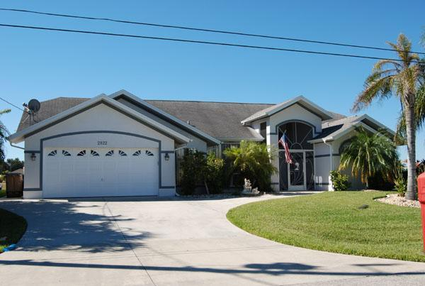 Front - House Waterside with 4 bedrooms and a pool - Cape Coral - rentals
