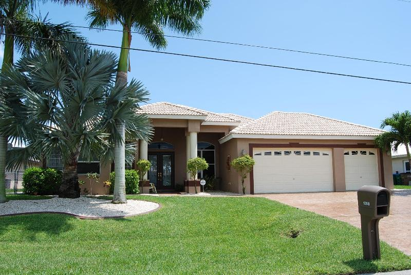 Front - New canalfront House Belize - Cape Coral - rentals