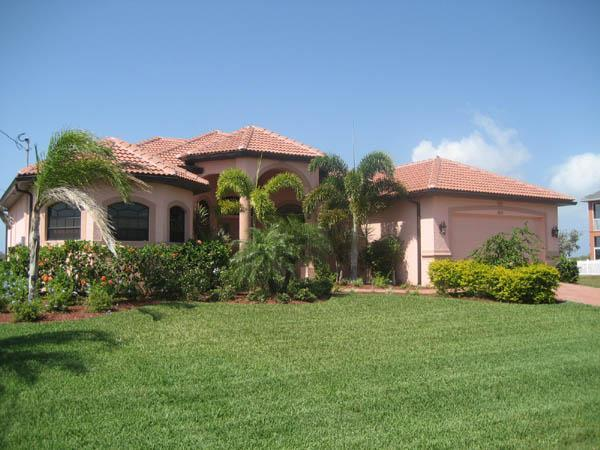 House Caribbean Island with pool and Spa nice view - Image 1 - Cape Coral - rentals