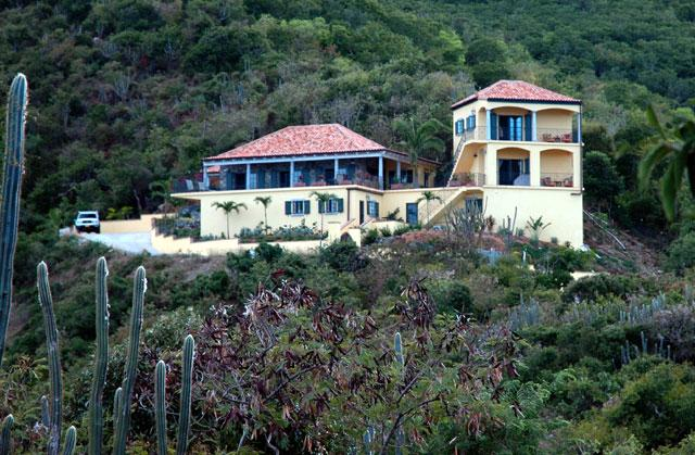 The villa is high on a hill between Johnson & Friis Bays - with absolutely breathtaking views. - Amarilla Villa - Coral Bay - rentals