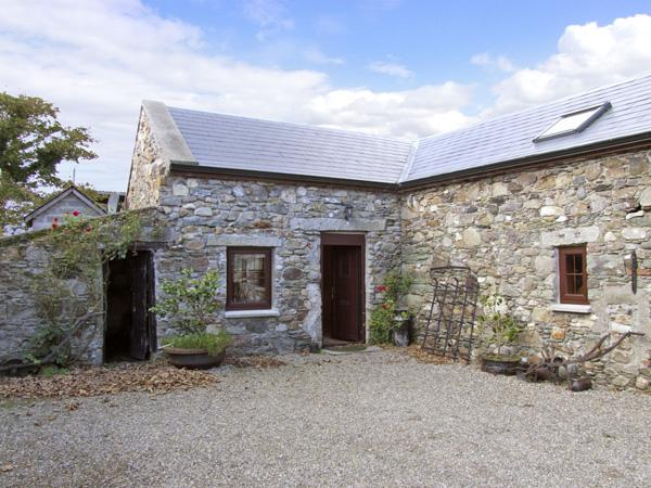THE STABLE, pet friendly, character holiday cottage in Carrick, County Wexford, Ref 4429 - Image 1 - Carrick - rentals