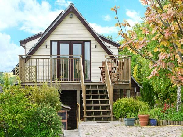 LERRYN APARTMENT, pet friendly, country holiday cottage, with a garden in Pimperne, Ref 4381 - Image 1 - Dorset - rentals