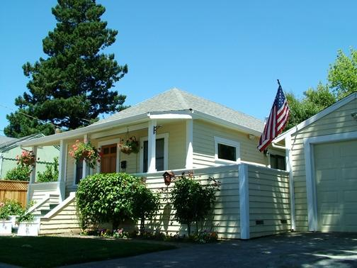 Front View, Historic Home in Old Town Napa - Old Town Napa Valley Gorgeous home, totally redone - Napa - rentals