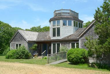 1583 - STUNNING WATERFRONT MAIN & GUEST HOUSE-RELAX BY THE POOL - Image 1 - Edgartown - rentals