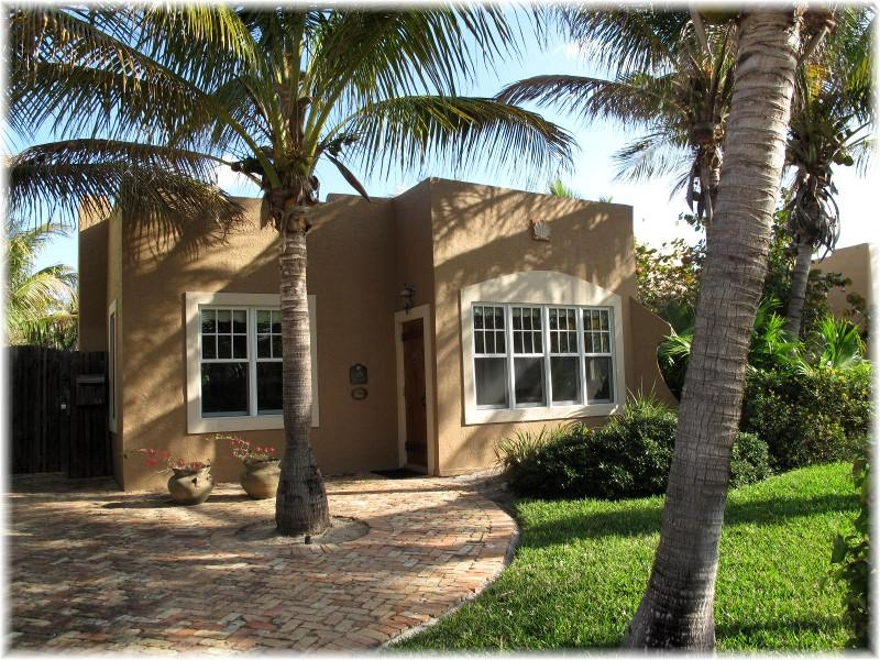 Casa Coco - Romantic Spanish Mission Pool Home - Image 1 - West Palm Beach - rentals