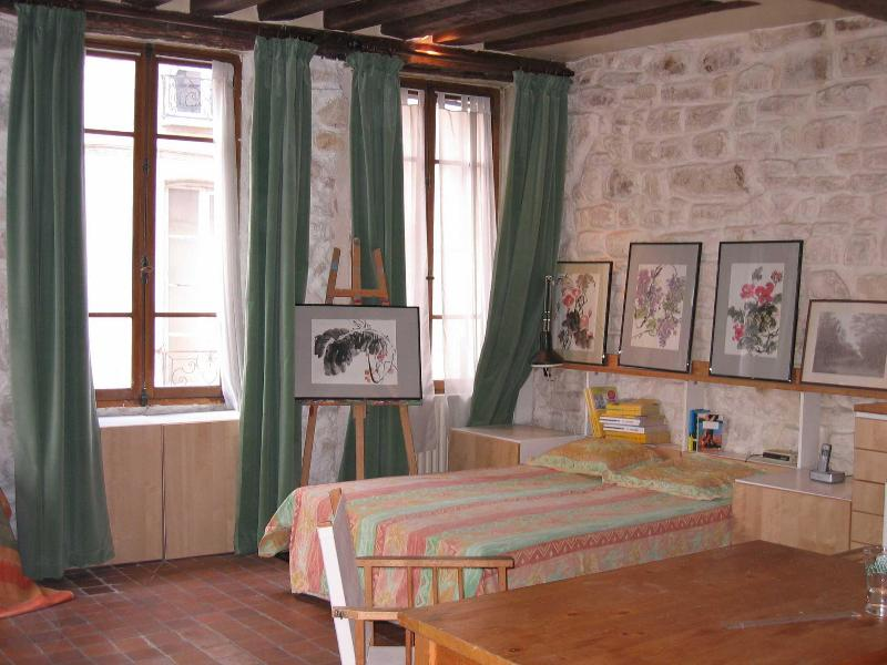 Bedroom area - Artist's Studio in the Marais - Paris - rentals