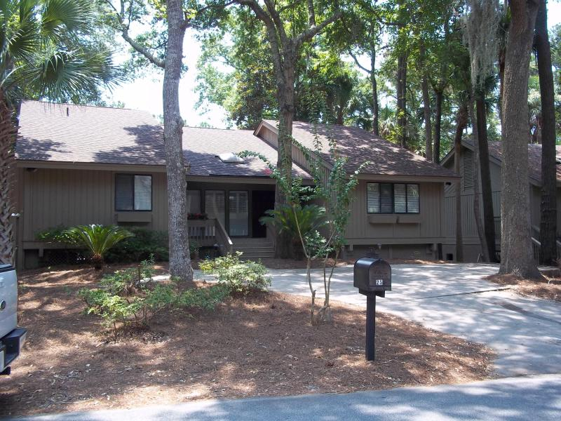 Front of 25 St. George with plenty of driveway space - Newly Renovated Home on Lagoon, Steps to the Beach - Hilton Head - rentals
