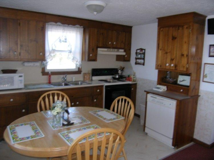 Kitchen dining combination with dishwasher - 129 North Shore Blvd - East Sandwich - rentals