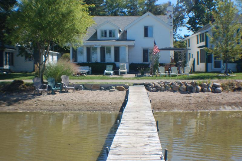 Our Cottage - Quaint Cottage on Wamplers Lake (Eastern Shore) - Brooklyn - rentals