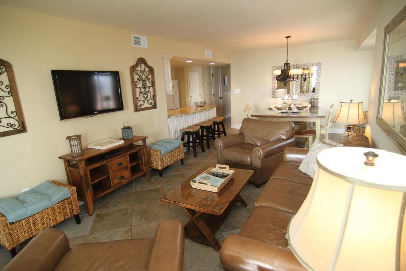 Enjoy luxury with your family and pet in N. Myrtle Beach - PET-FRIENDLY OCEANFRONT CONDO--CRESCENT DUNES 201 - North Myrtle Beach - rentals