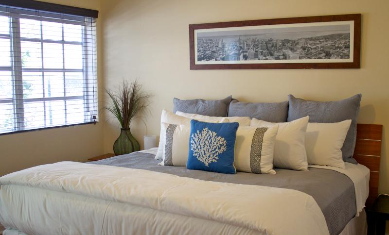 Master bedroom queen or king size bed - Daily housekeeping-One bedroom PARKING INCLUDED - Miami Beach - rentals