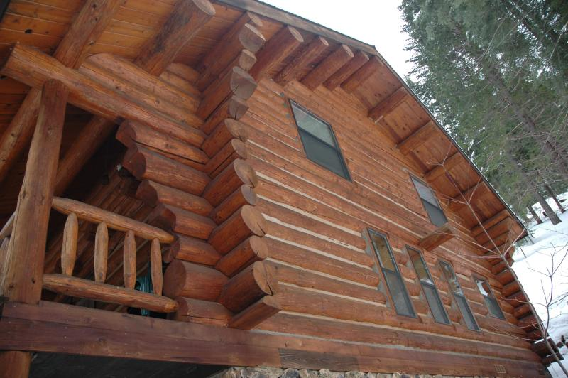 Authentic Log Home at Yosemite West - The Log Home -- Ideal Location for Yosemite Visits - Yosemite National Park - rentals