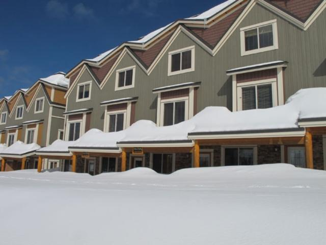 Big White 1 BR & 2 BA House (#15 - 5015 Snowbird Way WHTAIL15) - Image 1 - Big White - rentals