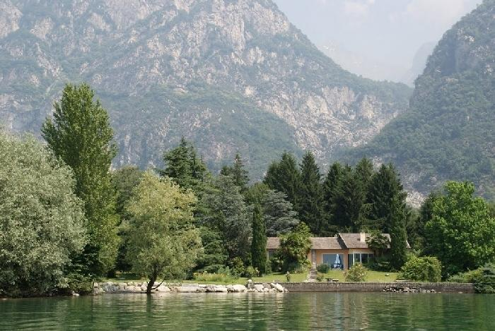 Lago Mezzola Retreat Lake Mezzola Italian Lakes villa to rent, Lake como villa Italy villa to let, vacation villa lake como - Image 1 - Verceia - rentals