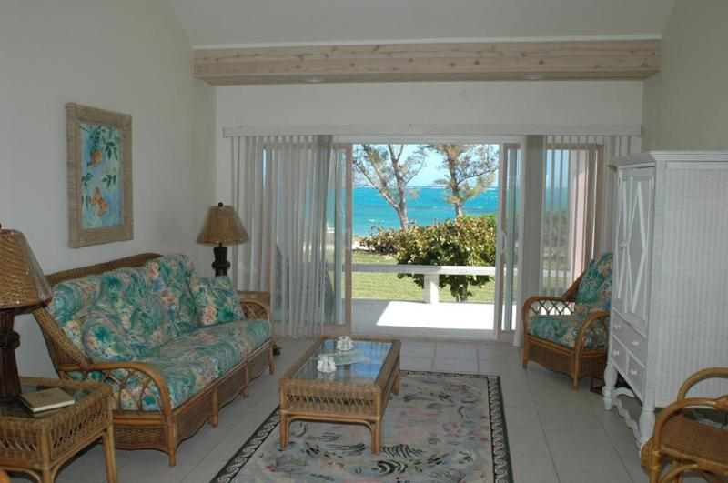 Conch  Cottage @ Cocobay Cottages - Oceanfront Conch cottages @ Cocobay cottages - Green Turtle Cay - rentals