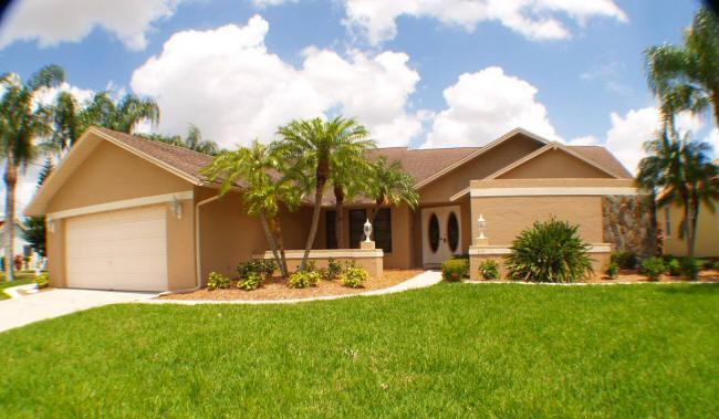 front view - 8 LAKES AREA/ ASK ABOUT OUR SUMMER SPECIAL - Cape Coral - rentals