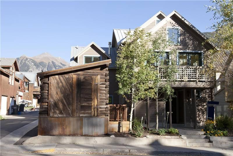 Exterior of Christel's House in Telluride, Colorado. Five minutes walk to Telluride's Main Street. - CHRISTEL'S HOUSE - Telluride - rentals