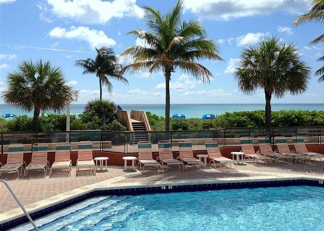 #407 On the Beach Queen Studio for 3 Heated Pool - Image 1 - Hollywood - rentals