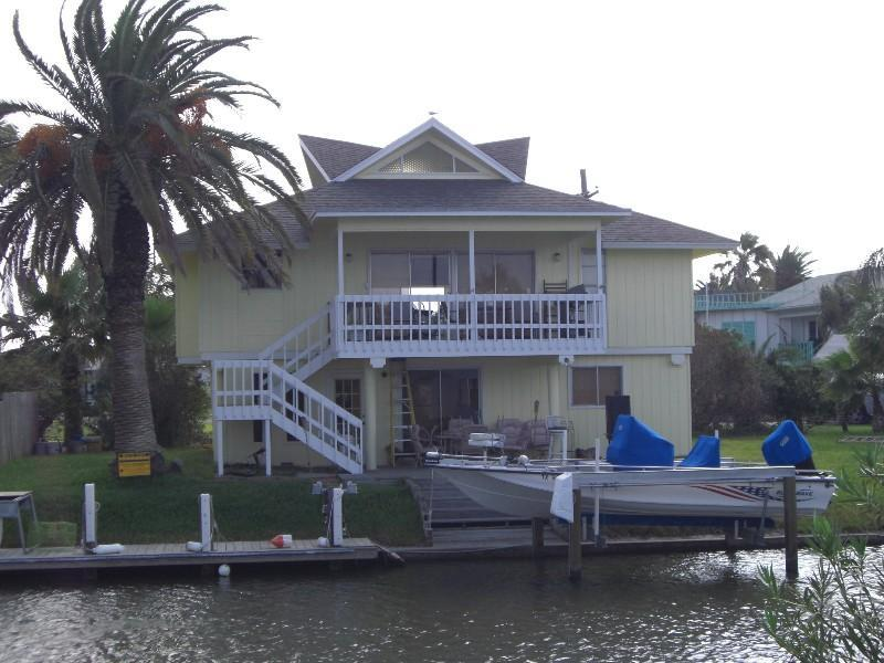 Bring your boat- we have a great dock with a boat lift! Rockport Vacation Home great for the family! - Serenity House: Key Allegro Waterfront Home w/Dock - Rockport - rentals
