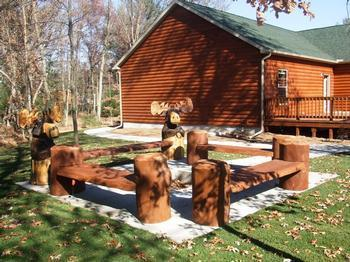 Chocolate Moose Camp Fire - Chocolate Moose Lodge on 6th hole of golf course - Wisconsin Dells - rentals