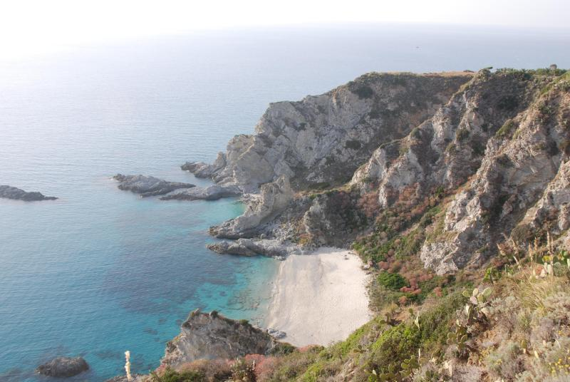 The Beach in June - CLIFF HOUSE -   Eagle's Nest on the Mediterranean - Capo Vaticano - rentals