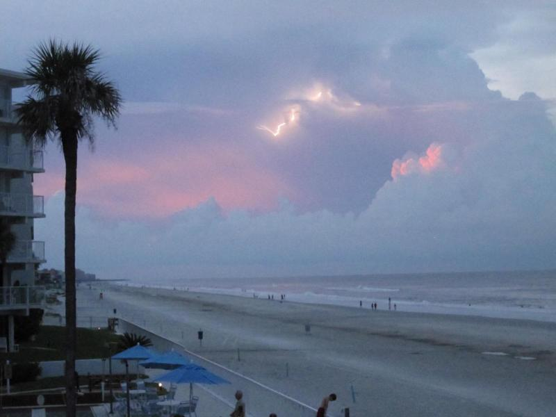 beautiful sunsets - Luxury Oceanfront Condo, completely remodeled, WOW - New Smyrna Beach - rentals