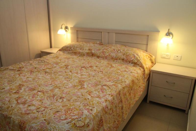 2 room, 1 bedroom luxury vacation apartment - Image 1 - Herzlia - rentals