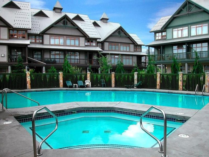 Heated pool year round and hot tub. - Sleep 7, spacious in village, no car needed, updated, Own BBQ - Whistler - rentals