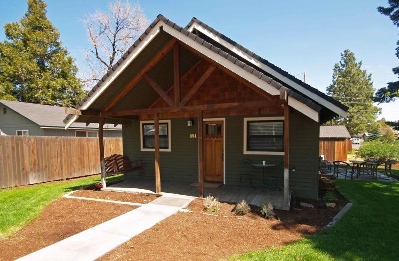 Drake Cottage, West side Bungalow - Downtown Walk Everywhere Pet Friendly  With Fenced Back Yard! - Bend - rentals