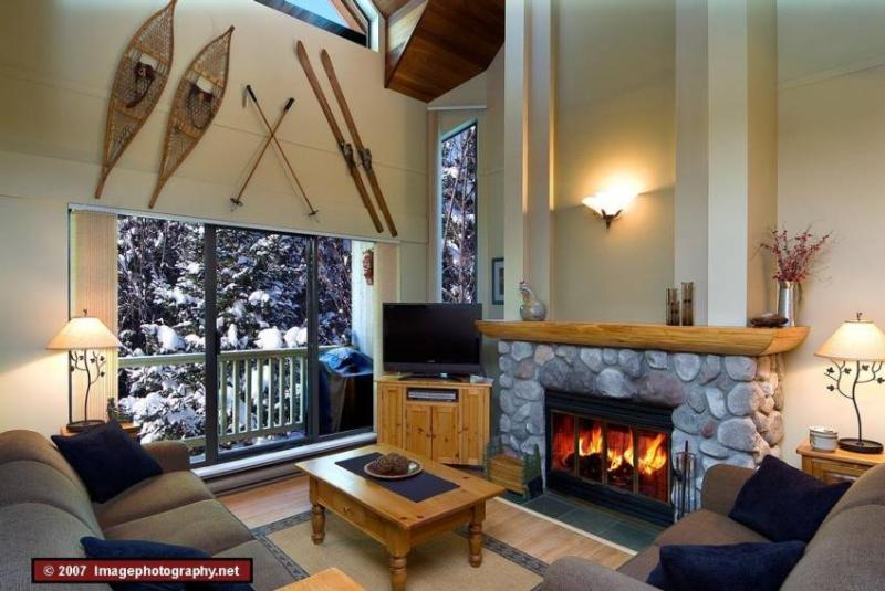 Living Room - Doug and Sharon Deaust - Whistler - rentals