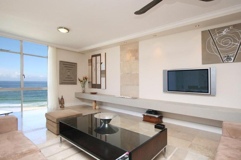 Ocean Facing Self-Catering Apartment in Camps Bay - Cloud Nine - Image 1 - Camps Bay - rentals