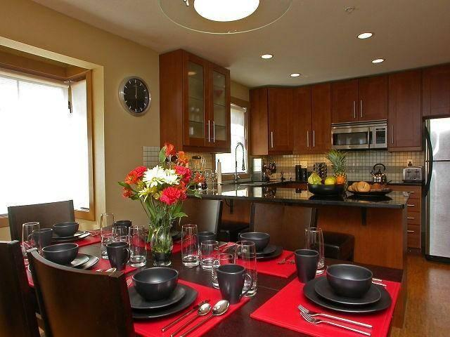 Elegant and comfortable surroundings. Perfect for entertaining with all the furnishings included to make a memorable holiday stay. - Garry Harder Ed Bornau - Big White - rentals
