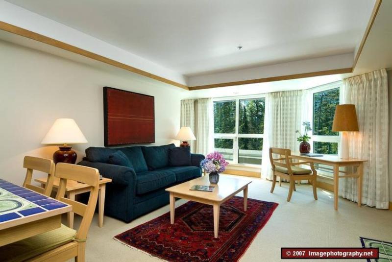 Living Room - Elizabeth Yung - Whistler - rentals